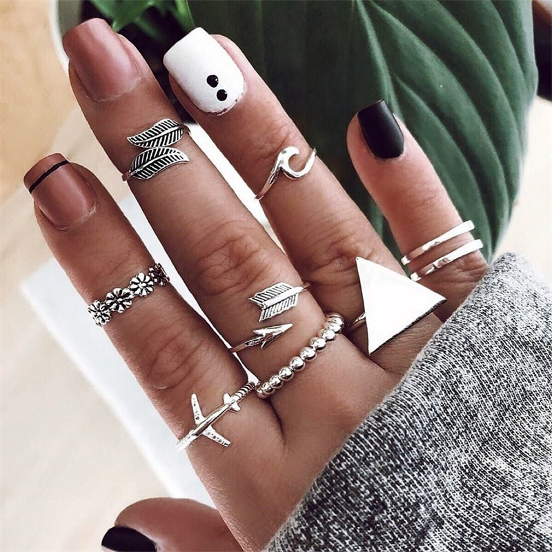 9Pcs/Set Vintage Rings Lady Charm Silver Color Triangle Leaf Airplane Arrow Wave Flower Silver Ring Set Fashion Jewelry image