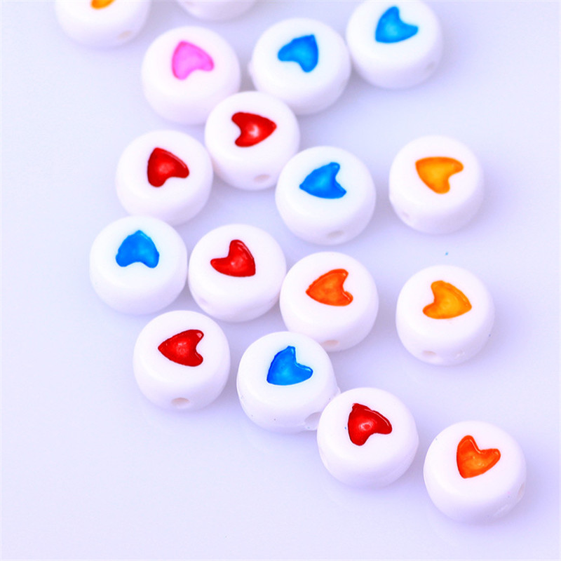flat round 60 pcs acrylic beads with red hearts white 7 mm