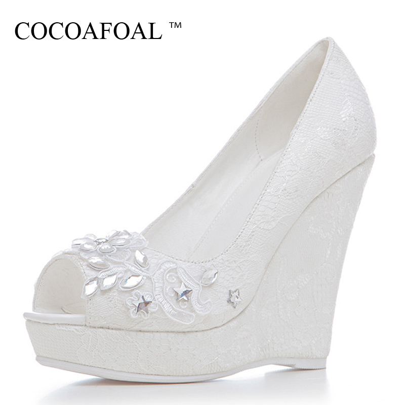 COCOAFOAL Wiggen Women High heels Shoes White Woman Wedding shoes Pumps Plus Size Fashion Sexy Crystal Wiggen Pumps 2019