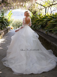 Image 2 - Liyuke Ruffles bir çizgi düğün elbisesi prenses uzun kollu Backless gelinlik