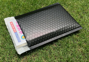 Image 4 - Sobres de correo impermeables con bolsa de burbuja de color púrpura polivinílico, 25 uds., bolsa de regalo de superficie brillante para cumpleaños, 18x23cm + 4cm