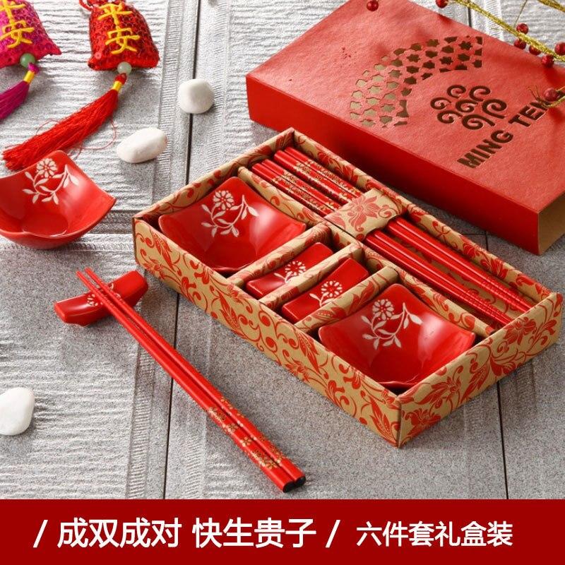 Tradition chinoise famille bois massif bonheur couple baguettes assiette plat six ensembles céramique rouge mariage vaisselle ensemble cadeau boîte