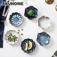 Prato de cerâmica de originalidade  prato pequeno para tempero  comida  prato europeu  flor  cerâmica  branco e azul