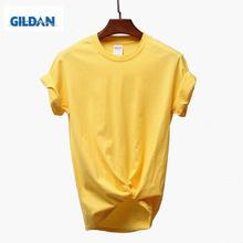 Однотонная футболка gildan черно белая из 100% хлопка летняя