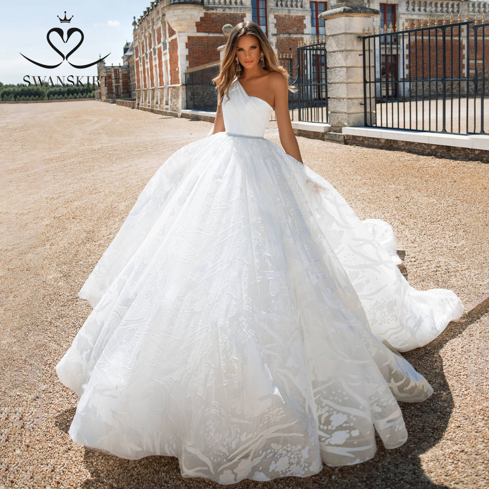 Charming Princess Wedding Dress 2019 Swanskirt One Shoulder Crystal Belt A-Line Court Train Bride Grown Vestido De Noiva I176