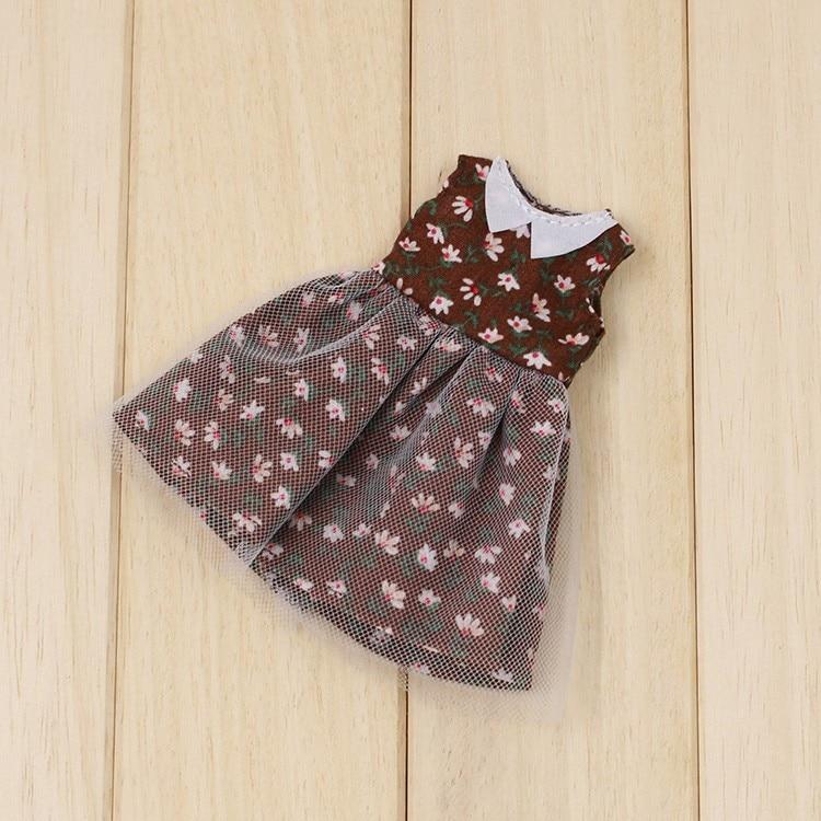 Middie Blythe Doll Brown Floral Dress 2