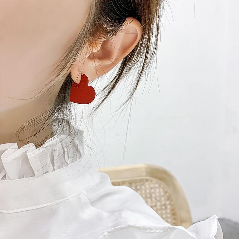 Vintage Heart Shape Stud Earrings 2020 New Fashion Red Color Love Heart Statement Small Earrings For Women Wedding Jewelry Gift