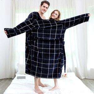 Image 2 - النساء الشتاء منقوشة حجم كبير طويل الفانيلا Bathrobe الدافئة كيمونو 40 130 كجم روب استحمام دافئ Robes روب للنوم الرجال ليلة النوم
