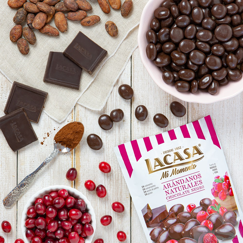 Lacase my cranberry moment black Chocolate · 125g.