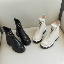 Plus Size 34-43 New Genuine Leather Winter Boots Women Round Toe Zipper Ankle Boots Keep Warm Sheep Wool Snow Boots Martin Boots krazing pot new sheep genuine leather wedges leisure sole round buckle work boots streetwear high fashion women ankle boots l3f1
