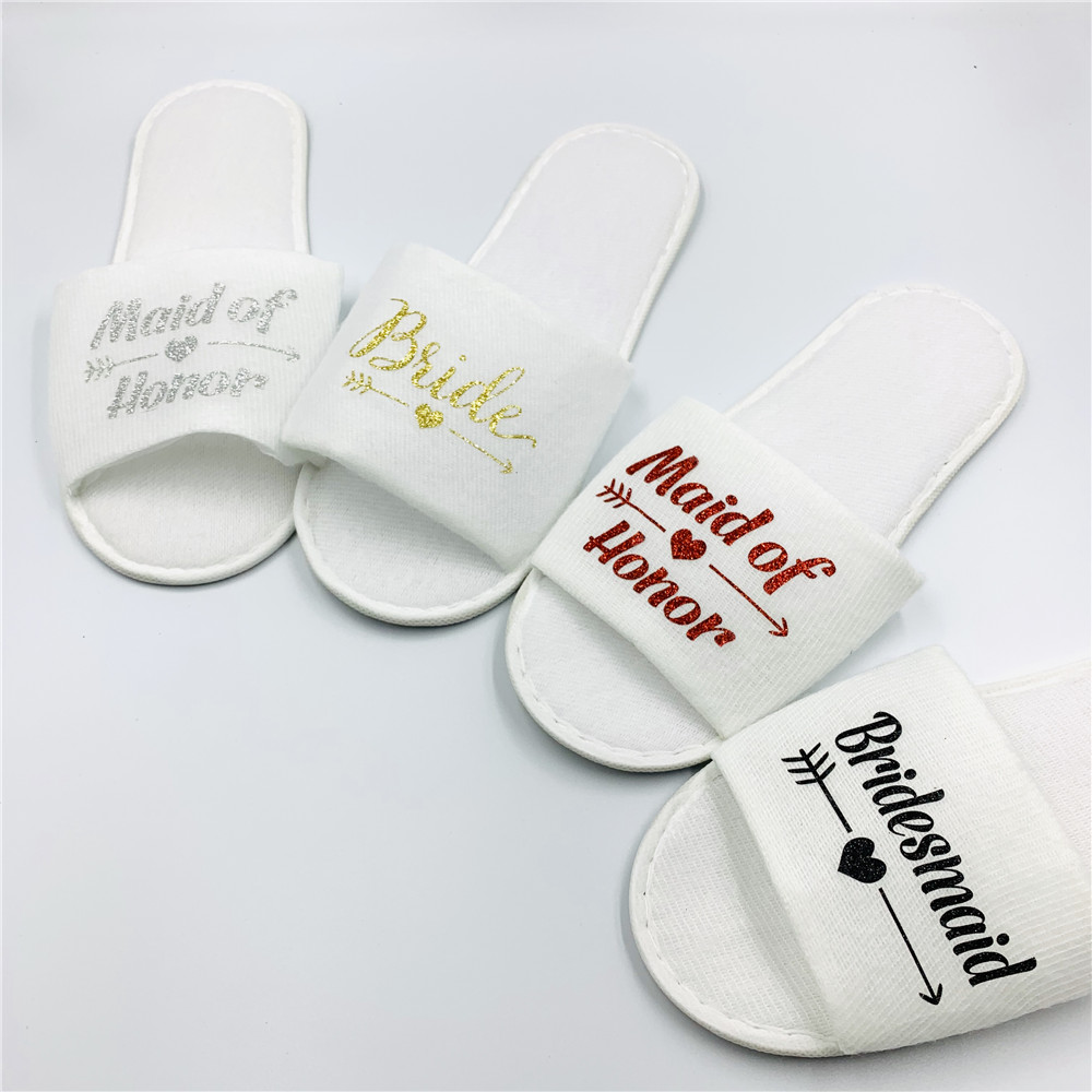 Team Bride To Be Bridesmaid Spa Soft Slippers for Bridal Shower Hen Night Bachelorette Wedding Decor Party Hand Band Favors,Q(China)