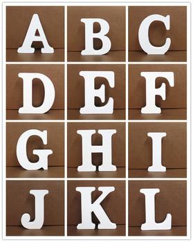 1pc białe drewniane litery angielski alfabet słowo spersonalizowany projekt rzemiosło artystyczne wolnostojący kształt serca ślubny wystrój domu tanie i dobre opinie