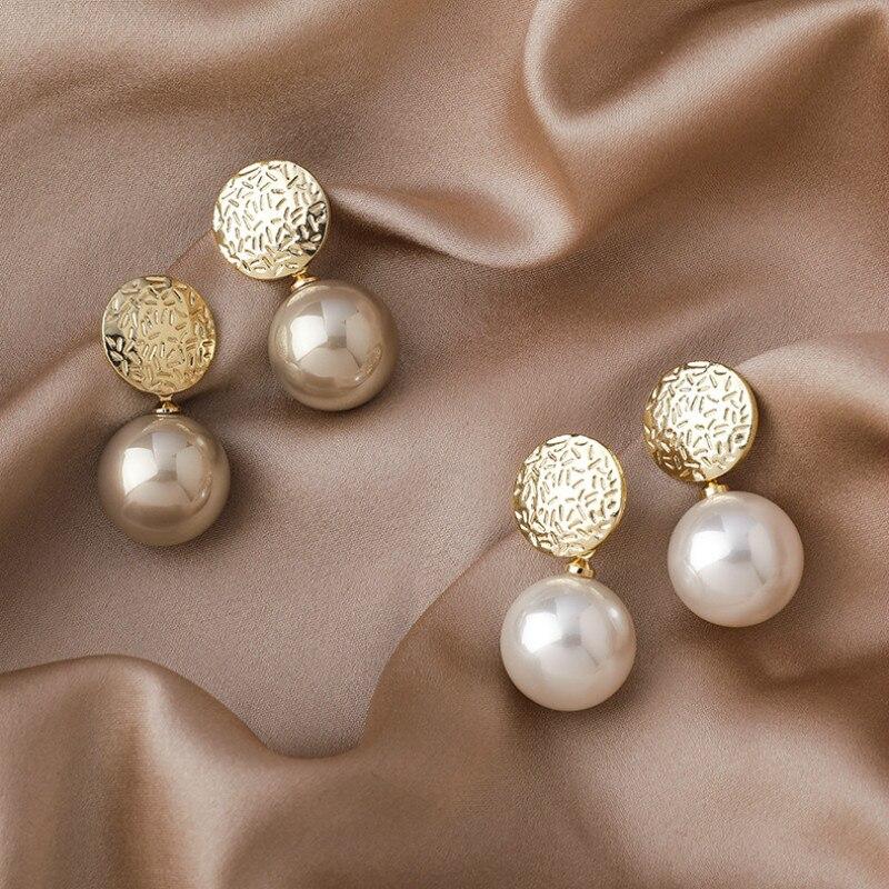 2020 Korean New Temperament Metal Champagne Pearl Earrings Fashion Simple Versatile Earrings Female Jewelry