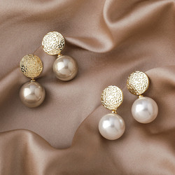 2020 Korean New Temperament Metal Champagne Pearl Earrings Fashion Simple Versatile Earrings Female Jewelry