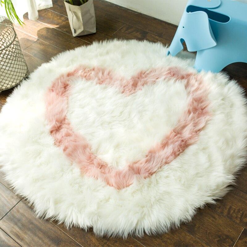 Nouveau Faux peau de mouton tapis rond pour chambre salon doux sol Shaggy en peluche coeur Design tapis filles chambre fausse fourrure chevet tapis