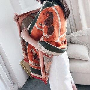Image 4 - 女性カシミヤスカーフ暖かい冬パシュミナスカーフショールラップ女性のための高級チェーンプリントバンダナスカーフ2020ファッション
