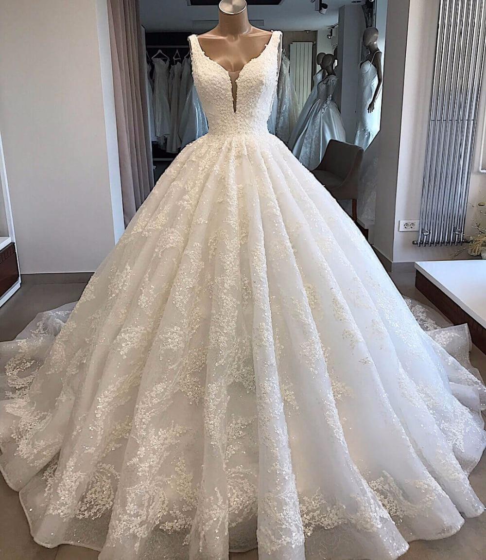 Custom Made Wedding Dresses  Ball Gown V-neck Fluffy Lace Big Train Elegant Luxury Wedding Gowns Vestido De Noiva KW02