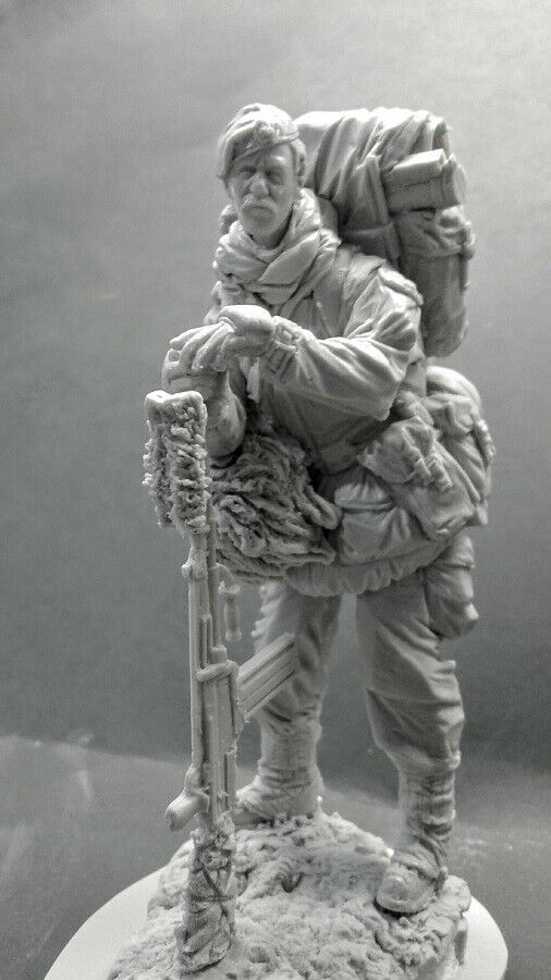 1/16 120mm Anicent Man Stand With Bag (WITH BASE ) Resin Figure Model Kits Miniature Gk Unassembly Unpainted