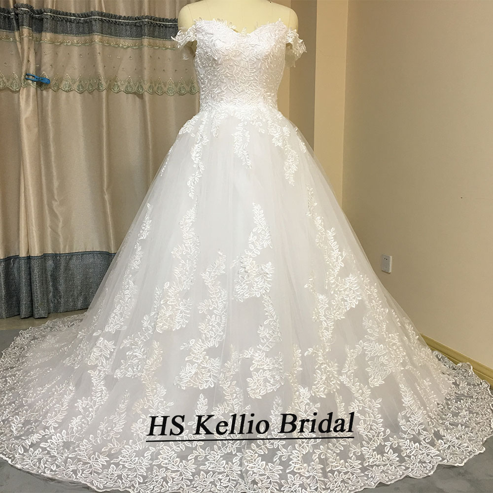 Image 4 - Wedding Dress Real Sample Lace Appliques Ball Gown Bridal Dress With 1 m Tail-in Wedding Dresses from Weddings & Events
