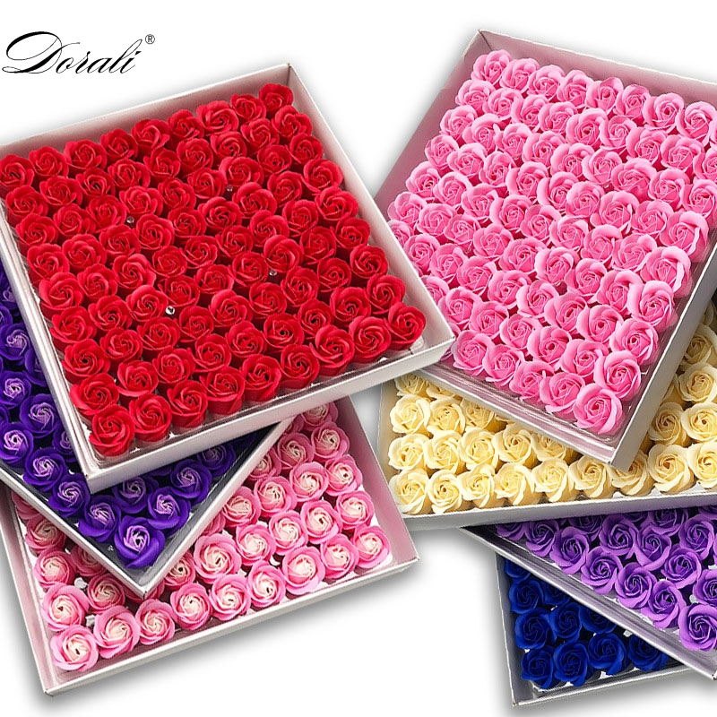 81Pcs Rose Bath Body Flower Floral Soap Scented Rose Flower Essential Wedding Valentine'S Day Gift Holding flowers