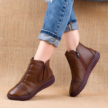 2019 winter Genuine Leather Ankle Boots Handmade Lady soft Flat shoes comfortable Casual Moccasins side Zip Ankle Boots men s boots fashion genuine leather ankle boots buckle decoration zip casual shoes men ankle boots moccasins size 39 44 929m