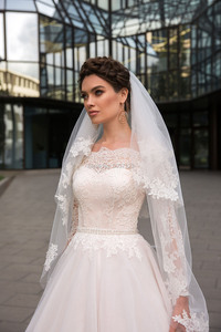 Image 3 - Ball Gown Wedding Dresses Long Sleeves Lace Appliques 2020 Off the Shoulder Robe De Mariage Court Train Wedding Bridal Gown