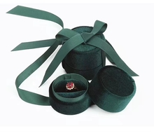Wholesale jewelry packaging box in Dark green velvet round bowknot for ring pendant and necklace