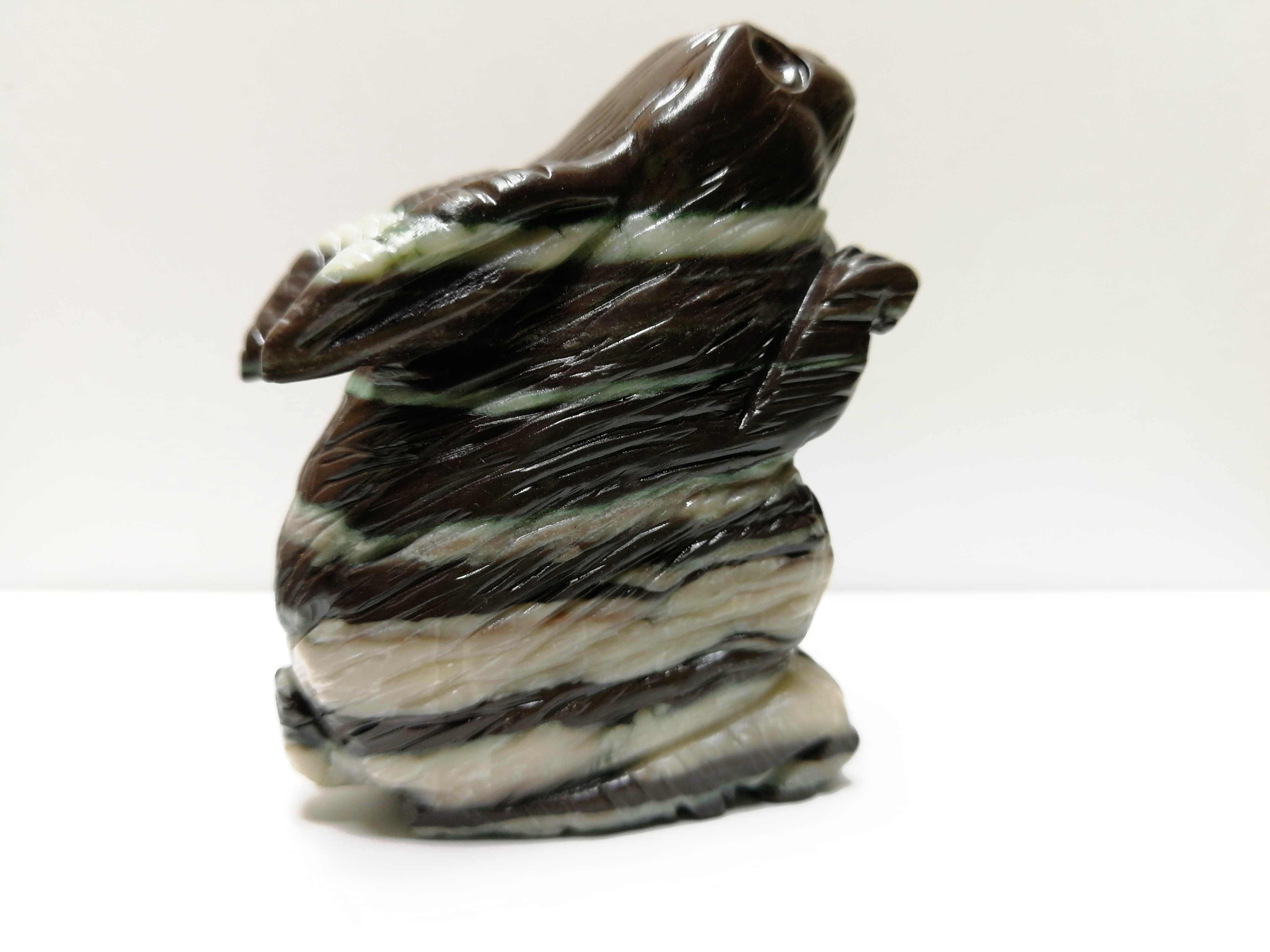 97.8 Gnatural Zebra Batu Kristal Diukir dengan Tangan Kelinci Ukiran Sihir Batu Energi