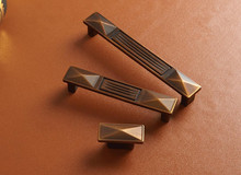 Metal Dresser Pulls Handle Bronze Cabinet Knob Drawer Cupboard Rustic Kitchen Hardware