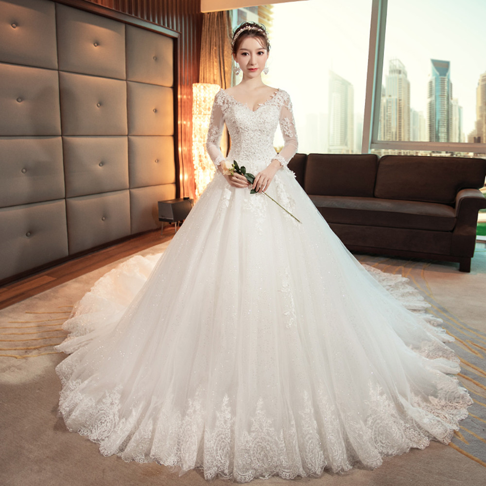 Luxurious Off White V-neck 3/4 Sleeve Lace Embroidery Long Tail Wedding Dress Bridal Gown