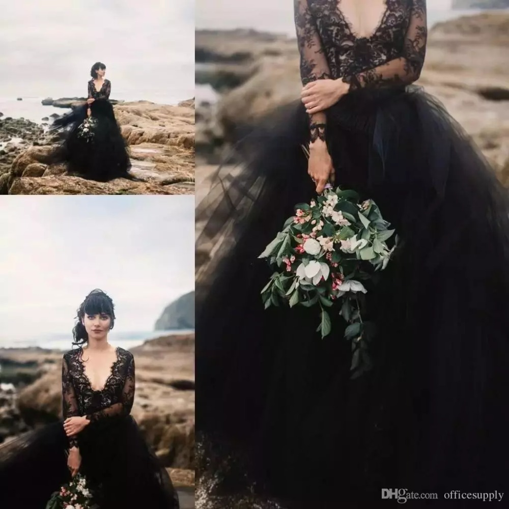 Vintage Black Bohemia Evening Formal Dress 2018 Sexy V-neck Illusion Lace Long Sleeves Backless Mother Prom Gown Bride Dresses
