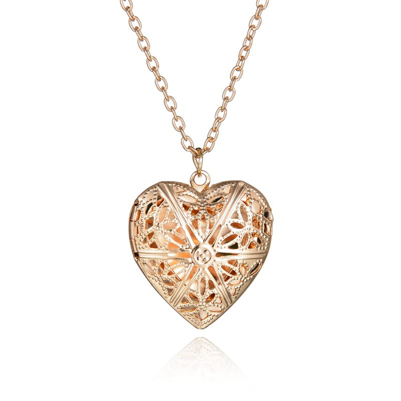 Heart Shape Heart Necklace Can Play Open Small Photo Plated Hollow Out Women's Through Flower Peach Heart Shape Photo Box Neckla