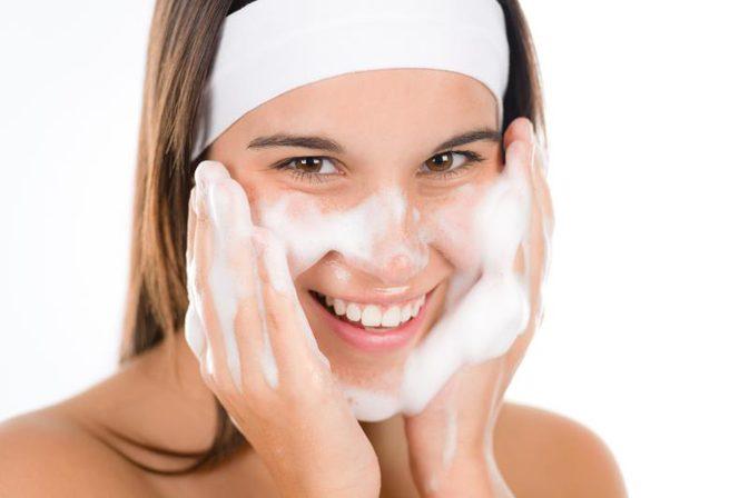 Olio detergente acne 2.5% 237ml - 2
