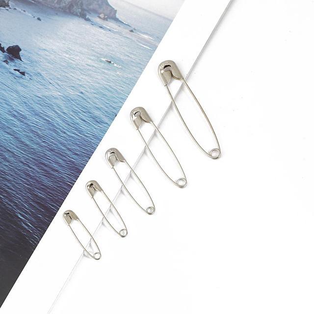 50 Uds. De alfileres de seguridad de alta calidad DIY accesorio de herramientas de costura agujas de Metal plateado alfiler de seguridad pequeño broche accesorios de ropa