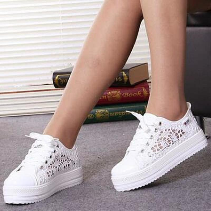 Summer Women Shoes Casual Cutouts Lace Canvas Shoes Hollow Floral Breathable Platform Flat Vulcanized Shoes Zapatos De Mujer