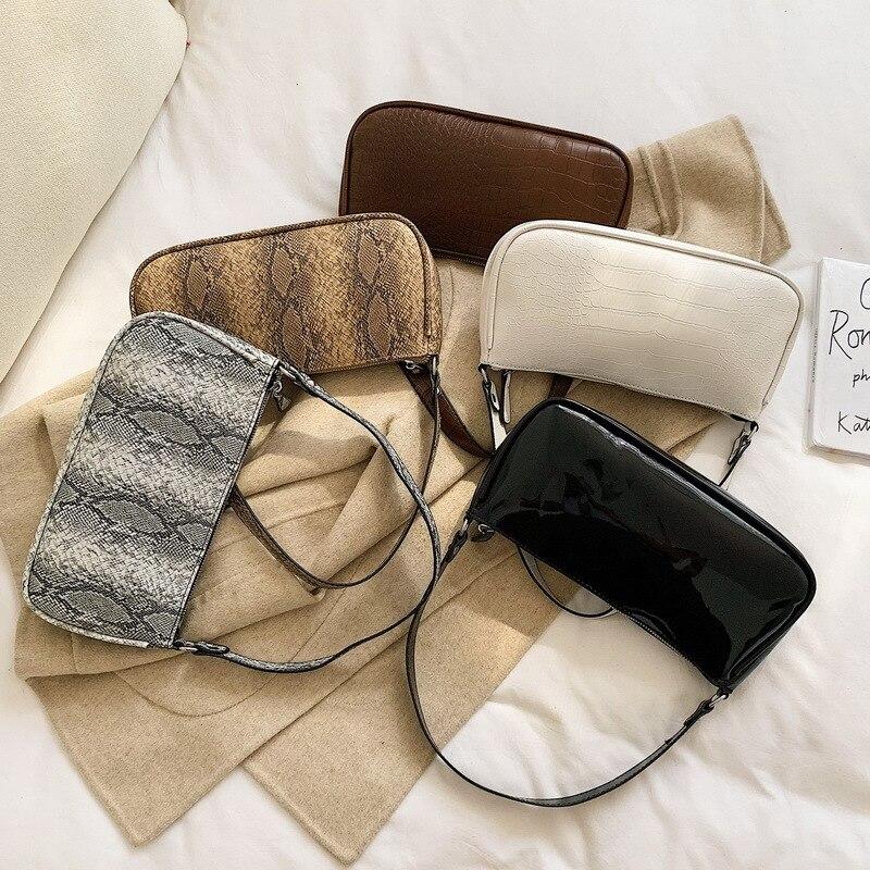 2019 New Fashion Crocodile Pattern Shoulder Women Bag Hand Bag Personality Wild Fashion Patent Leather Baguette Shape Handbag PU