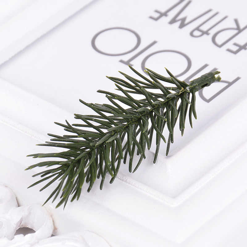 10 stuks Plastic Kunstplanten Pine Takken Kerstboom Bruiloft Decoraties DIY Handcraft Supply Kids Gift Boeket