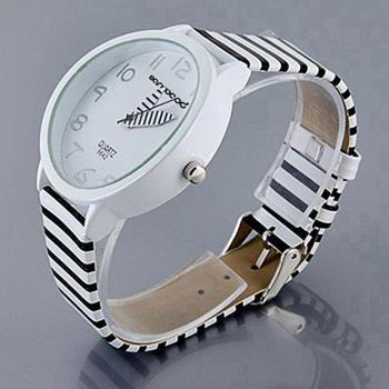 Casual Fashion Wrist Watch Women Color Striped Strap Round Case Quartz Analog Faux Leather