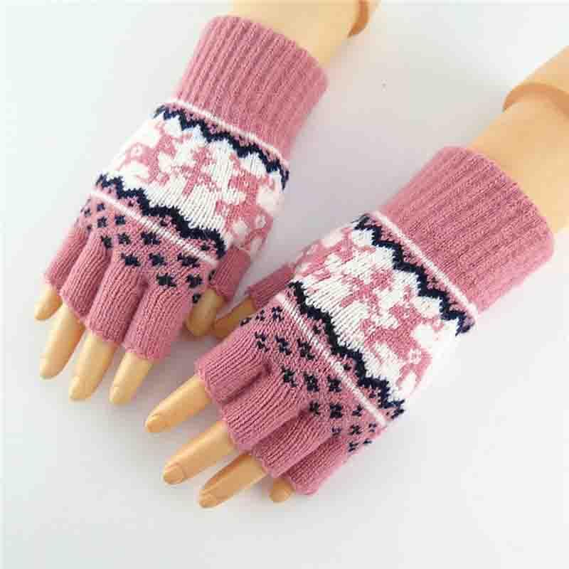 1 Pair Outdoor Knitted Gloves Christmas Warm Mittens Deer Pattern Half-finger Driving Gloves Fingerless Gloves Animal