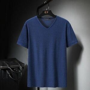 Мужская футболка с короткими рукавами, модная, очень большая, свободная, из ледяного шелка, с v-образным вырезом, с принтом, трикотажного разм...