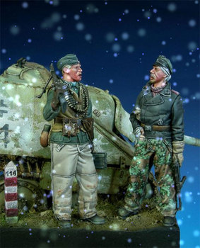 1/35 Scale Winter War Game Army Two Soldiers Miniatures Modelling Unpainted DIY Assembling Static Resin Figure Model Kits