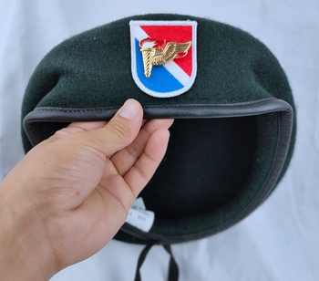 Tomwang2012 Us Army 11th siły specjalne grupa wełna zielony Beret i powietrzne siły specjalne PATHFINDER metalowa plakietka czapka wojskowa tanie i dobre opinie CINESSD Stałe Termiczne Z wełny