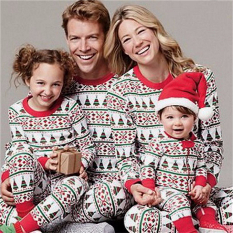 Family Matching Outfits Look Christmas Pajamas Dad Mom Kids Sleepwear Clothes Christmas Family Look Pajamas Family Clothing Sets