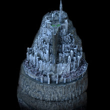[Lucu] Lord Of The Rings Mainan Hobbit Aksi Figur Minas Tirith Model Patung Mainan Model Tembaga Imitasi baru Asbak(China)