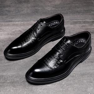 Image 1 - Zapatos planos de estilo británico para hombre, calzado Formal, informal, Oxford, para hombres de negocios, fiesta, vestido de boda