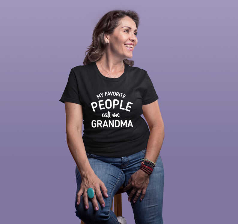 Womens Mijn Favoriete Mensen Noemen Me Oma Tshirt Grappige Moeders Dag Tee Voor Dames Oma Shirt Geschenken Voor Grootmoeder