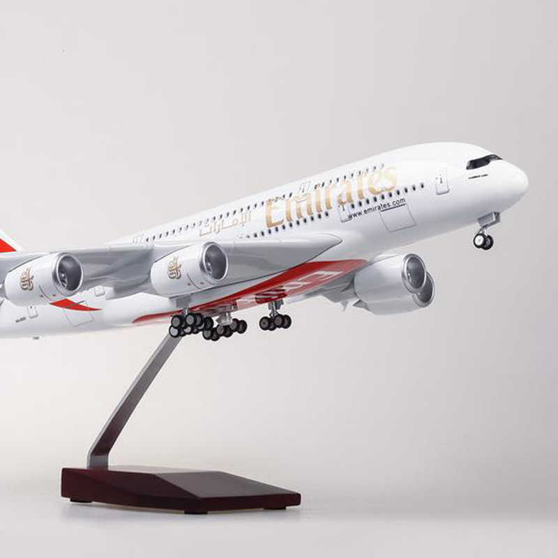 1:160 Skala Airbus A380 Emirates Airline Pesawat Model Pesawat Model dengan Light Wheel Diecast Resin Plastik Pesawat Mainan Anak Hadiah