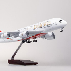 1:160 Scale Airbus A380 EMIRATES Airline Airplane Model Aircraft Model with Light Wheel Diecast Plastic Resin Plane Toy Kid Gift