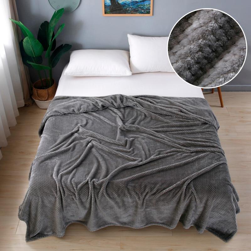 Super Soft Flannel Bedspread High Quanlity Sofa Throw Blanket Fleece Mesh Portable Car Travel Cover Christmas New Year Gift