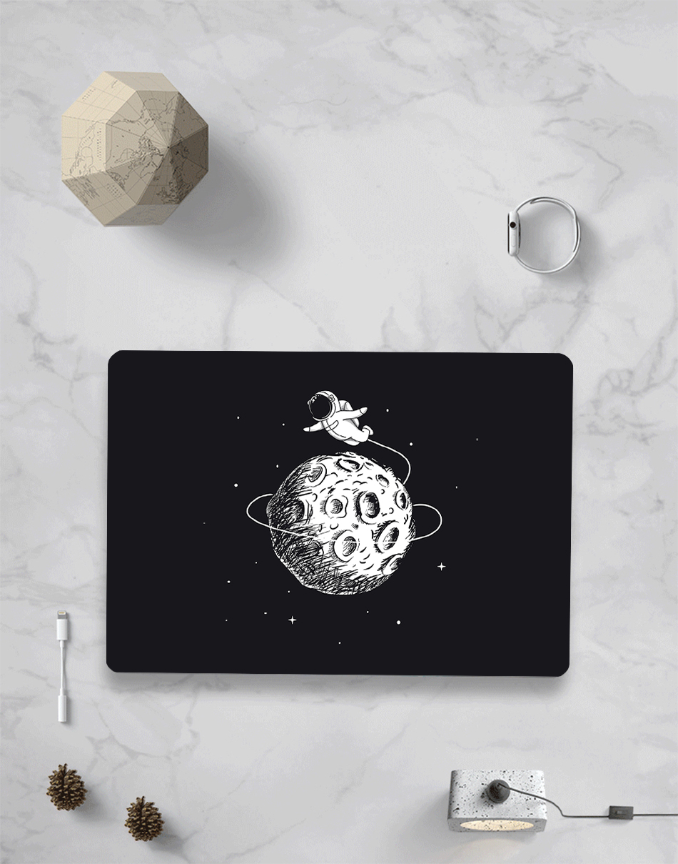 MTT Astronaut Case For MacBook 19
